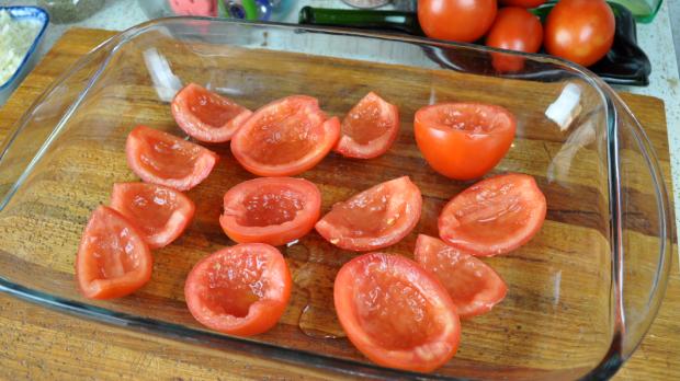 Mozzarella Baked Tomatoes